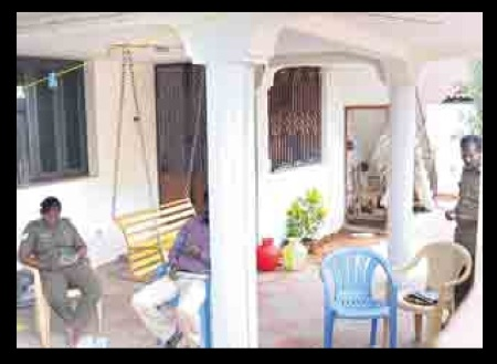சிபிஐ அதிகாரிகள் தாக்குதல் - அசோக் ராஜ் வீடு பாதுகாப்பு